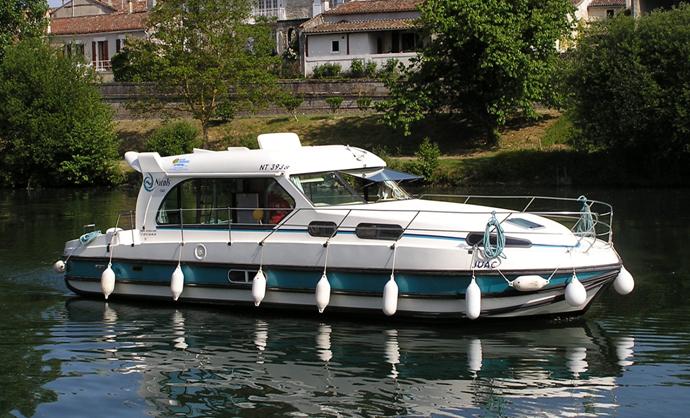 Bateau pour tourisme fluvial